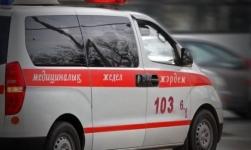Женщина упала на козырек магазина в Экибастузе
