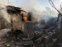 Крупный пожар на территории домовладения произошел в Павлодарской области