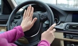 В Актау 19-летняя девушка угнала и разбила автомобиль своего многодетного любовника