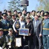 В Экибастузе непобежденному казахстанцу вручили сертификат на один миллион тенге