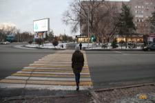 Павлодарские полицейские учили горожан пользоваться пешеходным переходом