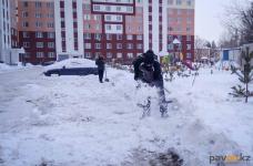 В жилинспекции Павлодара сообщили, что в день в городе очищают по 10 дворов