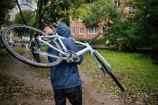 Дети украли велосипед и 400 тысяч тенге у односельчанина в Павлодарской области