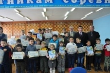 Сегодня аким Павлодарской области попробует обыграть в шахматы ребенка