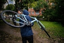 Подозреваемого в совершении нескольких краж велосипедов задержали в Павлодаре