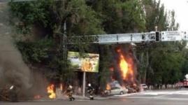 Взрыв бензовоза уничтожил авто в Алматы