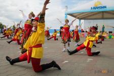 Красочный парад в День защиты детей прошел в Павлодаре