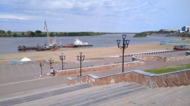 Готовить берег к пляжному сезону начали в Павлодаре