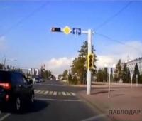 Автомобиль, пролетевший на красный сигнал светофора, закреплен за павлодарским отделом ЖКХ