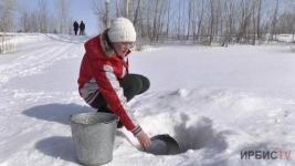 Жители села Песчаное пьют из Иртыша — колонки не работают