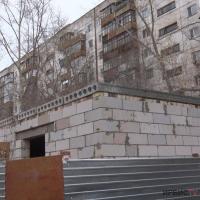 Жители домов по Каирбаева продолжают бороться за свой двор