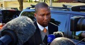 Внука Нельсона Манделы обвинили в изнасиловании 15-летней девушки