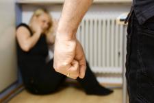 В Прииртышье в отношении женщин совершено свыше 2,5 тысячи преступлений
