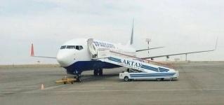 В Актау самолет «Трансаэро» с пассажирами не выпускают из-за долгов компании