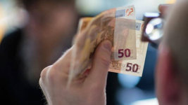 Фальшивомонетчики пытались обменять поддельные деньги на настоящие в Павлодаре