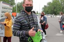 Жителям Аксу предлагали поменять полиэтиленовые пакеты на тканевые сумки