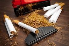 Крупному штрафу подвергли предпринимателя, торгующего контрафактными сигаретами