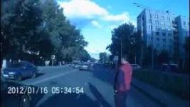 В Павлодаре водитель переехал девушку по ул. Толстого