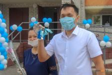 В Павлодаре ко Дню столицы 72 семьи получили ключи от квартир в новом девятиэтажном доме