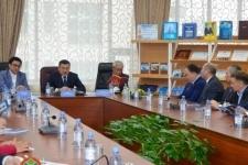 Книгу о Назарбаеве «Нартұлға» презентовали в Астане