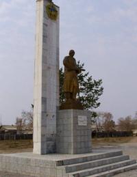 В Прииртышье отец малолетнего вандала, повредившего постамент памяти солдат Великой Отечественной войны, выплатит штраф