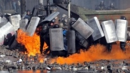 Радикалы взяли в плен 67 сотрудников МВД Украины