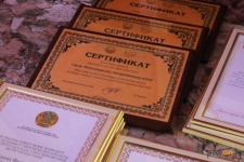 Сертификаты на общую сумму 30 миллионов тенге получили на развитие школы и детские сады Павлодара