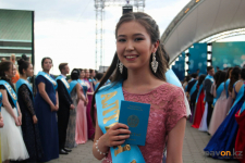 В Павлодаре обладателей аттестатов с отличием «Алтын белгі» наградят ноутбуками в стенах школы
