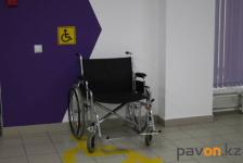 Павлодарские общественники обратили внимание властей на то, что далеко не все объекты в регионе адаптированы к нуждам инвалидов