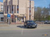 Главный полицейский Павлодарской области рассказал, машины каких ведомств имеют право заезда за желтую полосу