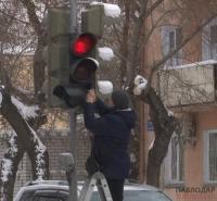 70 поврежденных козырьков насчитали в отделе ЖКХ при первой ревизии светофоров