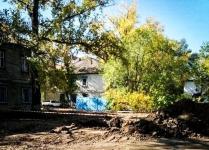 В Павлодаре пытаются установить причину, по которой уже третьи сутки жители одного из домов остаются без воды