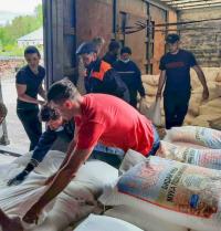 Фермеры из Павлодарской области отправили в Риддер 10 тонн продуктов для пострадавших от пожара