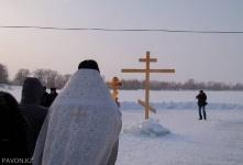 Первые павлодарцы уже окунулись в ледяной купели в этом году