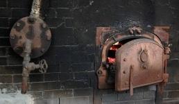 Рабочий едва не погиб, отравившись угарным газом