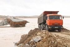 В Павлодарской области восстанавливают разрушенные автодороги
