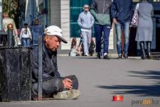 Павлодарцам рекомендуют не подавать милостыни попрошайкам
