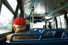 Перелом ребра получил павлодарец после поездки на автобусе