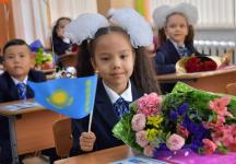 Булат Бакауов поздравил учеников лучшей школы для одаренных детей с новым учебным годом
