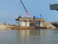 Со строящегося моста в Кенжеколе упал рабочий