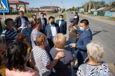 Асаин Байханов встретился с жителями Второго Павлодара и обсудил с ними проблемы подтопления и канализации