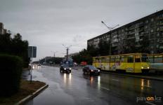 Мама сбитых в Павлодаре школьниц попросила переселить её в город без трамваев
