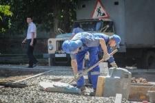 В Павлодаре начали ремонтировать первые 6 дворов, победивших по конкурсу