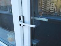 Павлодарские спасатели проникли в квартиру через балкон, чтобы оказать помощь пенсионерке
