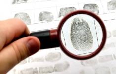 В Павлодаре отпечатки пальцев, оставленные злоумышленником, стали причиной его скорого обнаружения и задержания