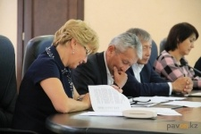 Павлодарские волонтеры вызвали депутатов на благотворительную эстафету