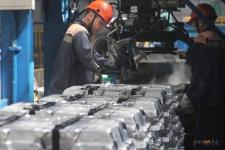 С 1 июля некоторым заводчанам в Павлодарской области повысят зарплаты