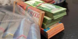 Чиновника подозревают во взятке в 1 млн тенге в Павлодарской области