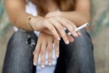Почти 40 тысяч тенге штрафа заплатил владелец магазина за продажу сигарет подростку