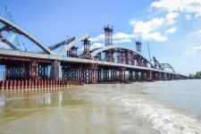 Сегодня установят арку центральной части нового павлодарского моста через Иртыш